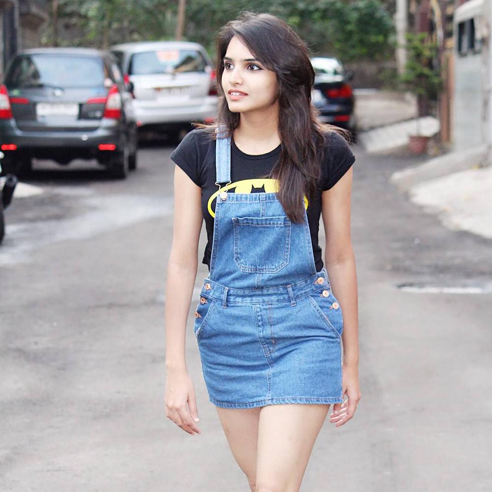 5d3910bda8 Womens blue denim dungaree skirt from Forever 21 – coutloot.com